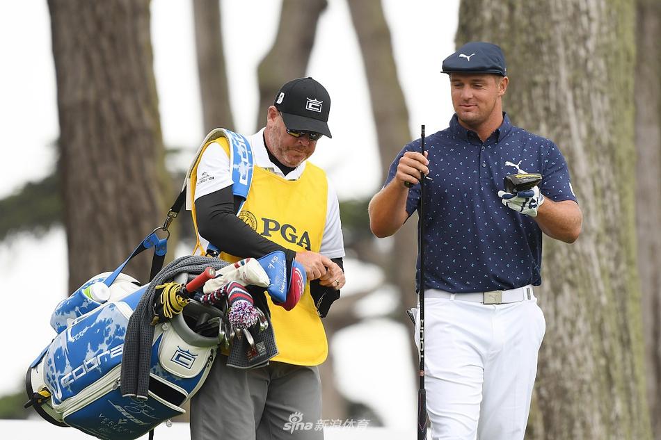 PGA锦标赛德尚博一号木被压断
