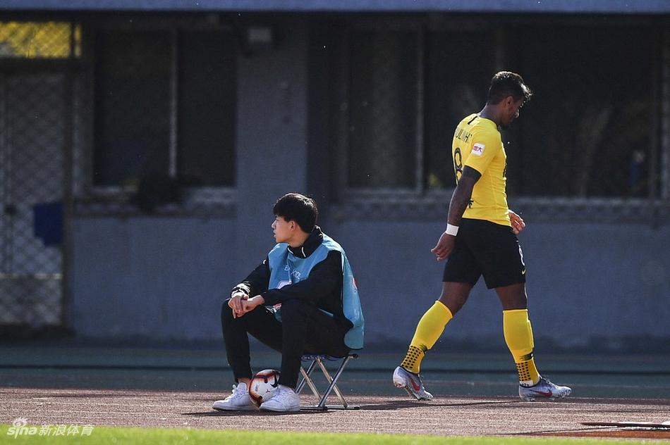卡纳瓦罗认为保利尼奥的红牌是输球的主要原因