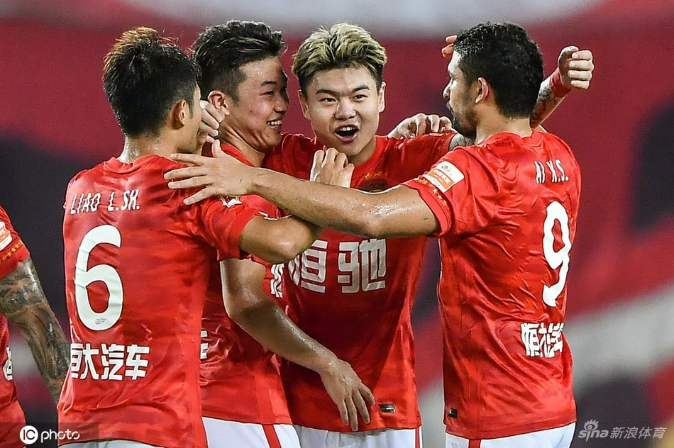 [中超]广州队2-1山东泰山