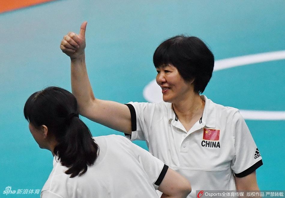 郎平60岁生日寄语:依旧热爱排球 还会继续向前走