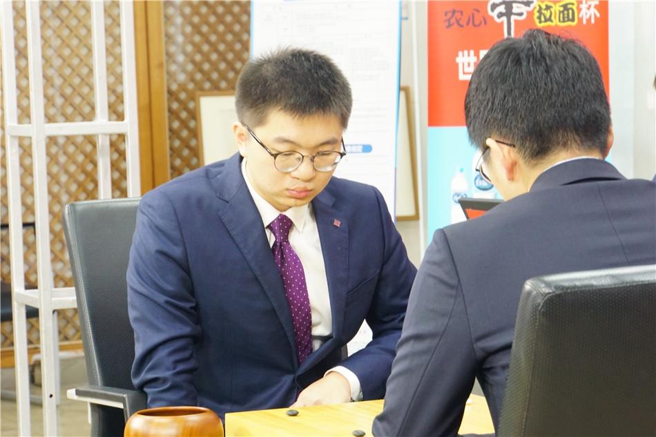 高清-农心杯第一阶段收官战 杨鼎新执黑VS金志锡