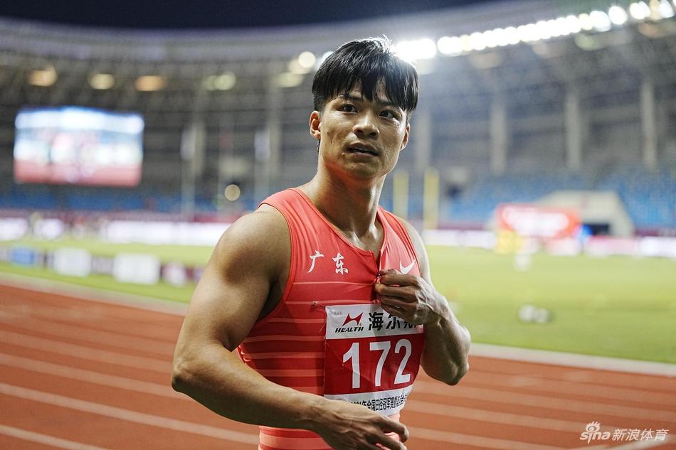 全锦赛百米陈冠峰10秒06夺冠 苏炳添减速获第六