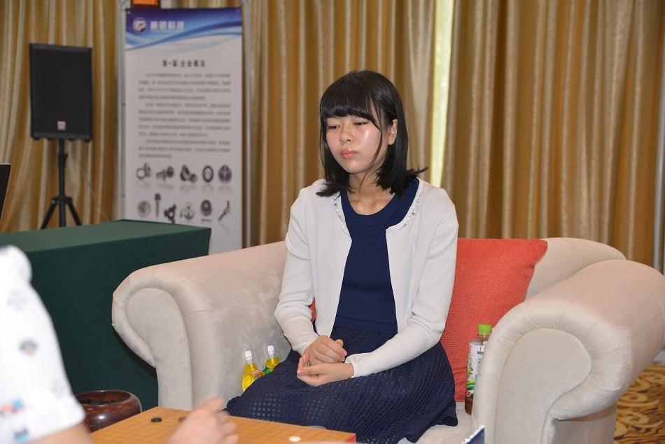 上野爱咲美在比赛中