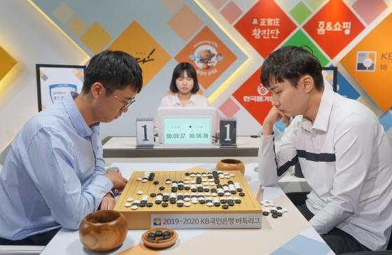 高清-韩国围棋联赛第7轮 崔哲瀚率领浦项战胜华城