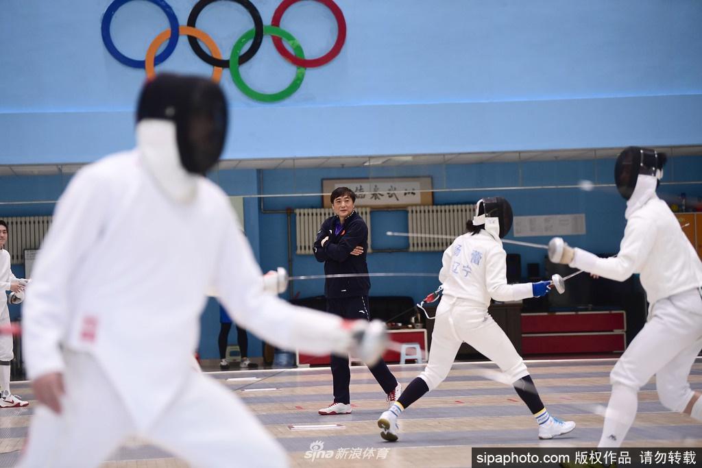 沈阳:辽宁击剑队封闭训练 瞄准奥运全运