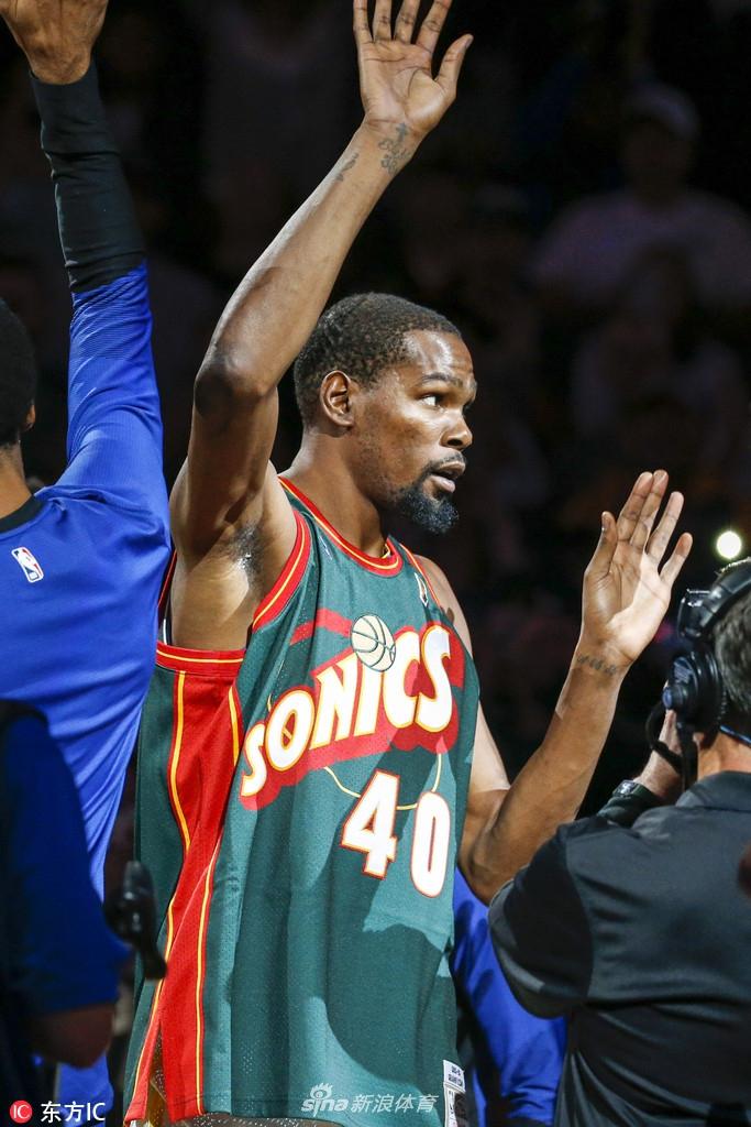 杜兰特重回西雅图-NBA季前赛 国王94 122勇士