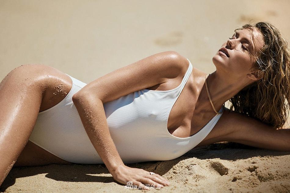 勒夫女友傻白甜沙滩写真