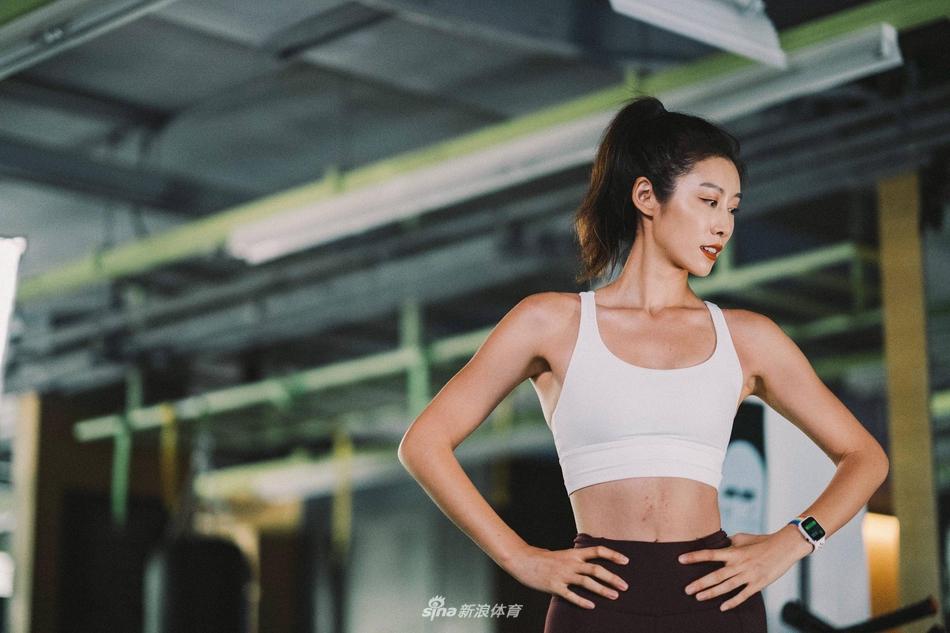 20岁健身女神赵依侬瑜伽美照 活力四射身材迷人