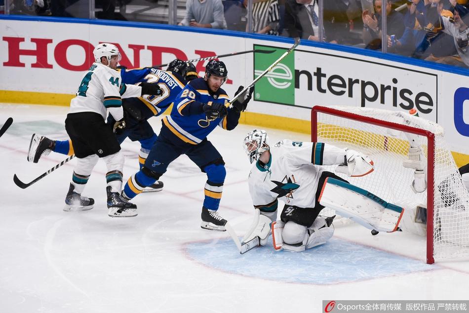 NHL季后赛西决第4场:圣路易斯蓝调2:1胜圣何塞鲨鱼