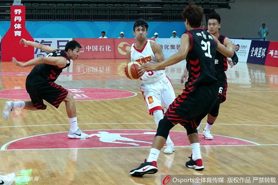 全运男篮5-8名排位赛精彩瞬间(18张)