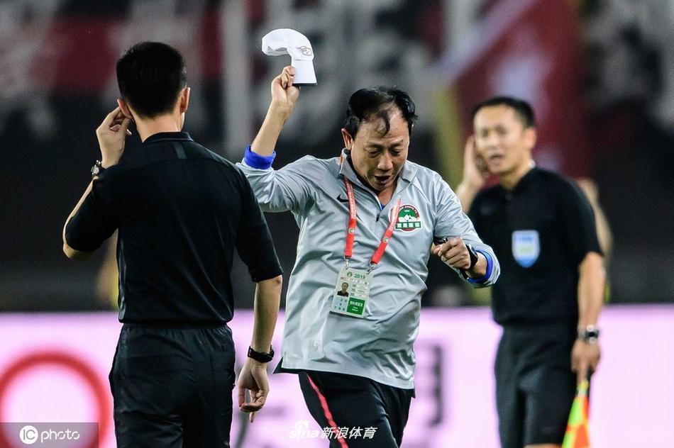 王宝山经典比赛:2-2让卡纳瓦罗上课去了