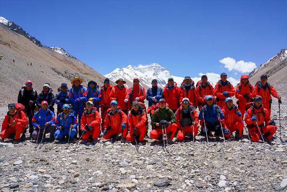 2020珠峰测量登山队召开冲顶动员大会