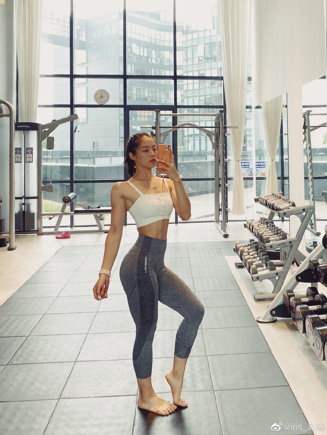 美女运动博主变身金刚芭比 健美身材一般人hold不住!