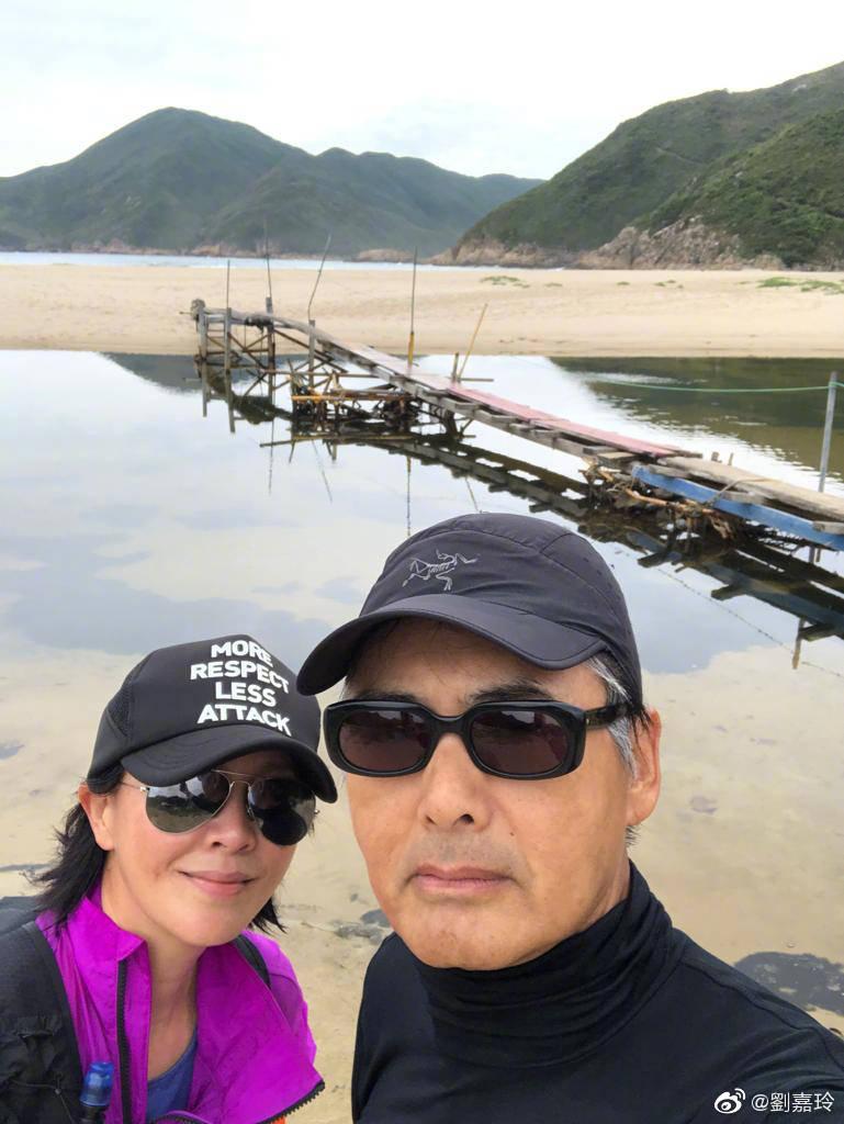 """""""香港第一晨练队""""打卡:刘嘉玲周润发张艾嘉组队晨练"""