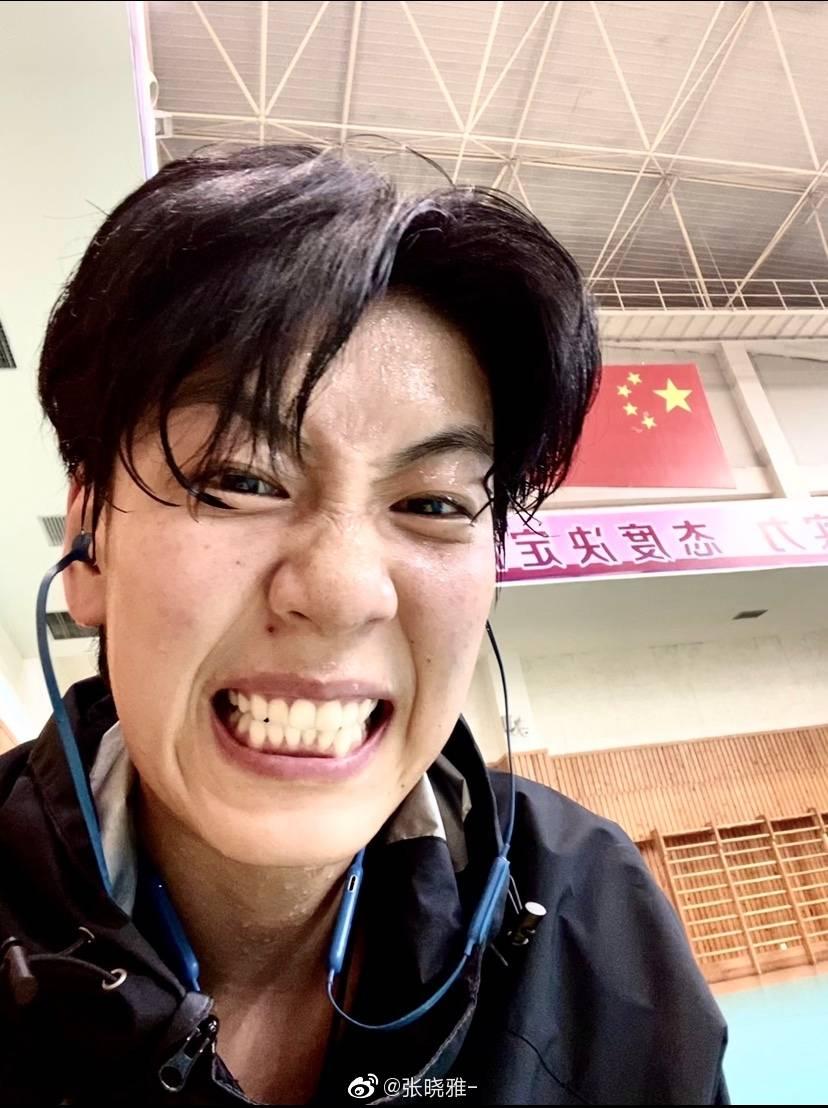 张晓雅表白朱婷:大写的帅爆了!