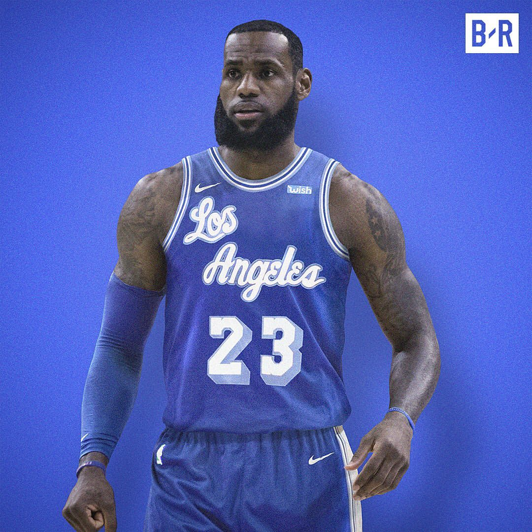 NBA复古球衣:詹皇大帝经典套装 哪一套是你最爱