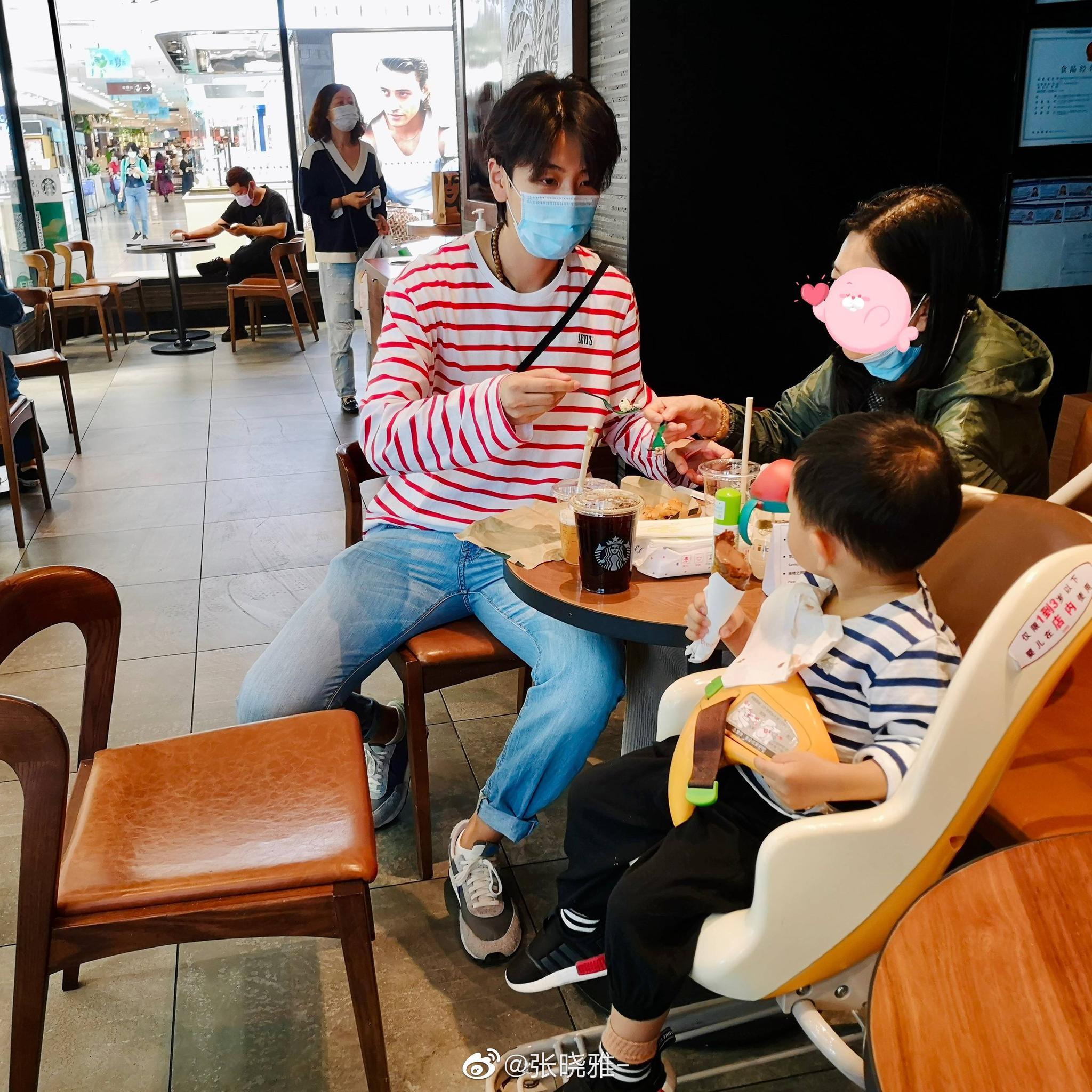 """""""最帅""""女排队员张晓雅实习带娃 :我儿子还帅嘛?"""