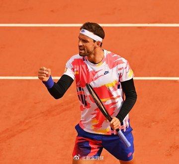 迪米特洛夫:西西帕斯有能力打一场伟大的网球