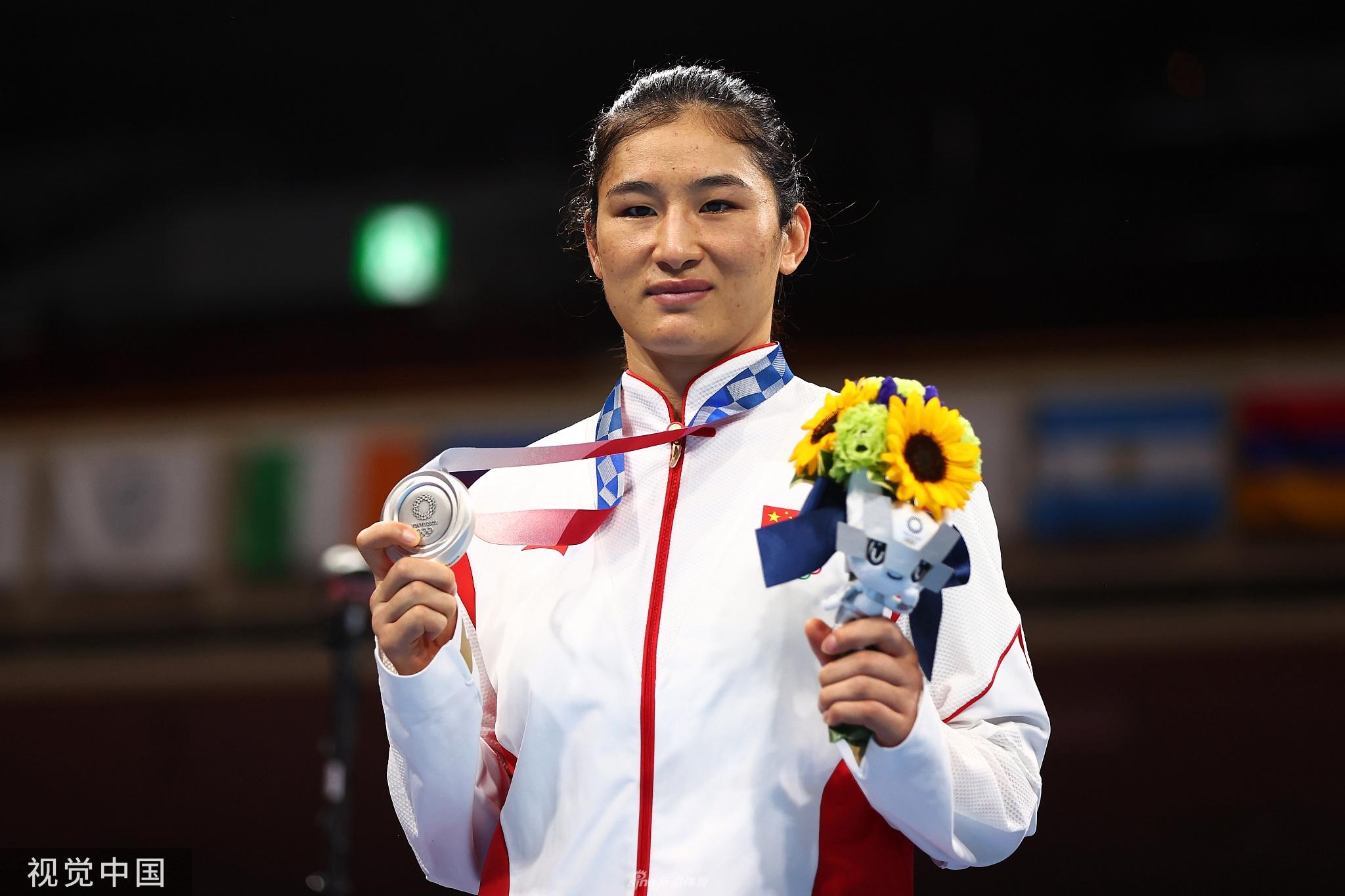 东京奥运摘银战全运 拳手李倩轻松不放松
