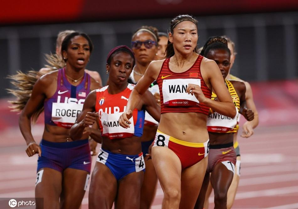 女子800米王春雨闯进决赛 创造该项目中国最佳