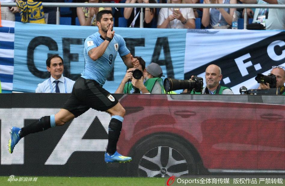 回顾苏亚雷斯三届世界杯进球