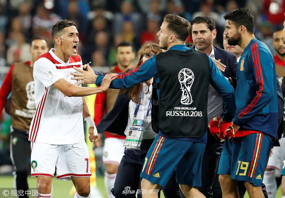 摩洛哥球员与西班牙替补席冲突