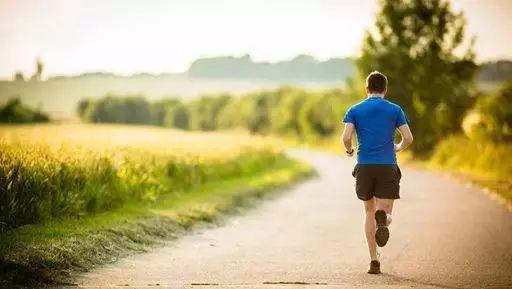 真正热爱跑步的人_从不会轻易停下脚步