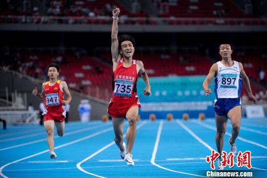 19岁短跑选手李泽洋二青会百米10秒40夺冠