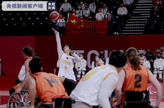 轮椅篮球运动员张雪梅担任残奥会闭幕式中国旗手