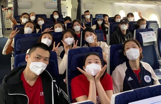 东京疫情反弹 郎平为何还是带女排参加测试赛?