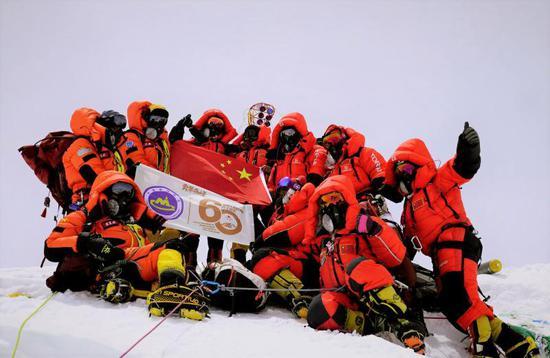 专家解析:为何在珠峰顶多待一分钟就多一分危险?