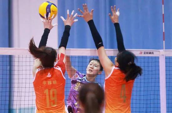 女排全锦赛开赛在即 国手回归天津女排为全运练兵
