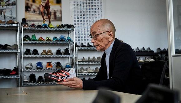 阿迪碳板跑鞋对标Next% 大灌篮主题LeBron 17发售