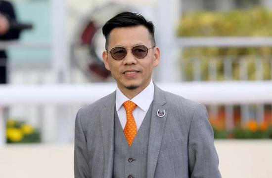 罗富全冀凭「骏龙驹」蝉联香港经