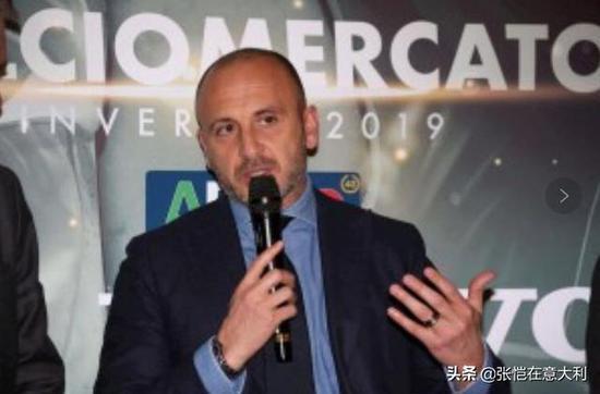 国米经理奥西利奥在切塞纳参添活行时外示,也在关注女足世界杯。