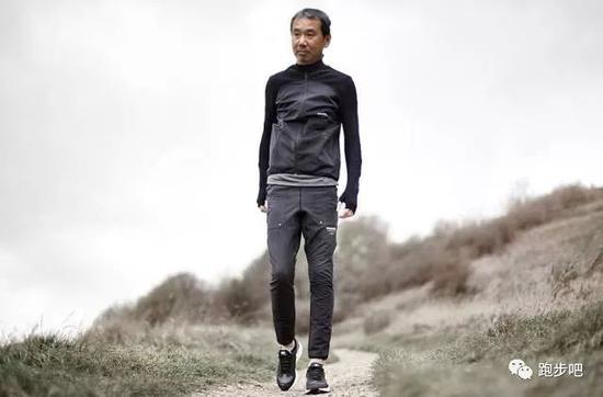 村上春树:跑步几年 我收获的不止是身材