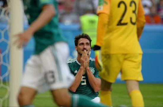德国队在这股风潮中受害极深,我们回顾一下德国队的三场比赛: