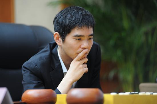 韩国棋手李世石在比赛中。视觉中国 资料图