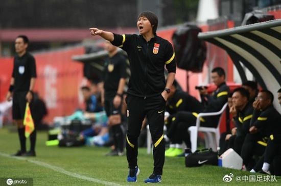 球迷戏称国足才是上海滩老大 申花送顺水人情了?