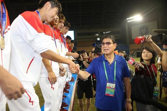 徐根宝带领这批球员在去年全运会夺冠。