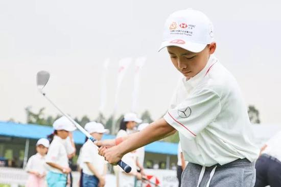 汇丰青少年城市训练营升级 培养中国高尔夫未来