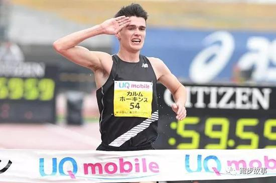英国励志哥高温奔跑 遥遥领先的他昏倒在第41公