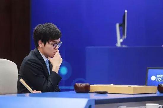 围棋AI打败了世界冠军 还有必要让孩子学习围棋吗
