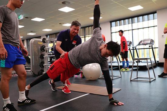 孙杨的日常训练。