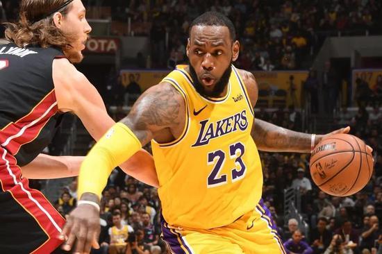 詹姆斯和韦德彻底改变了NBA球员的传统关系