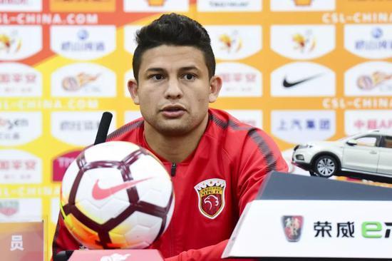 谁会成为中国足球归化第一人?埃神是目前最佳候选