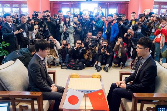 第五届世界围棋名人争霸战井山裕太VS连乐,备受媒体关注