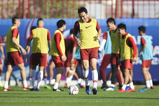 冯潇霆在赛前训练备战中。