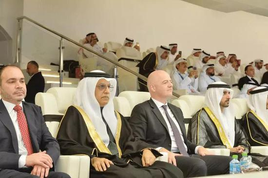 因凡蒂诺出席了本届亚洲杯开幕式