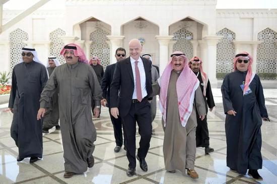 观看完科威特王子杯决赛后,因凡蒂诺1月29日乘坐专机离开科威特飞赴阿布扎比